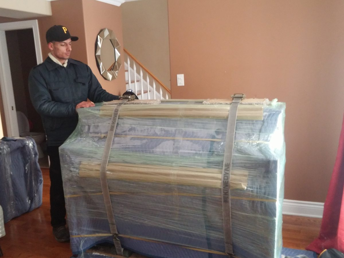 piano movers moving piano's in ottawa.